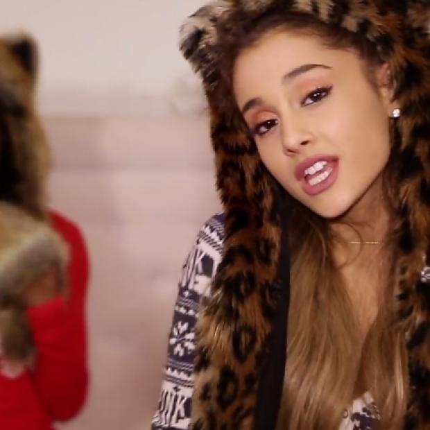 Ariana Grande – 'Santa Tell Me' Music Video