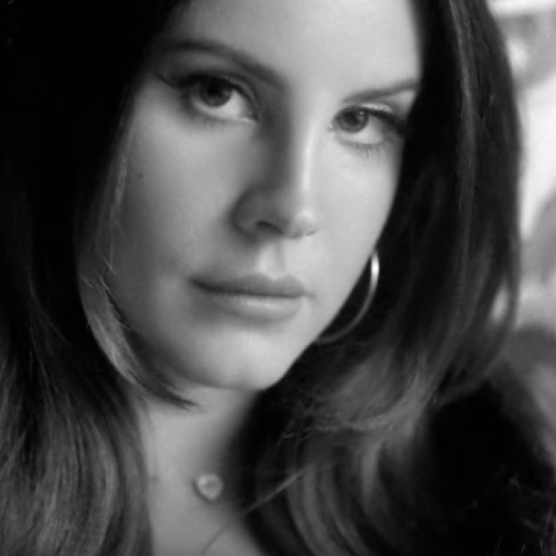 Lana Del Rey – Music to Watch Boys To Video